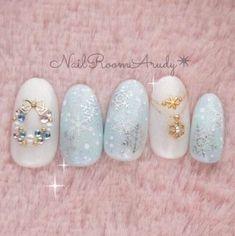 Modern Nail Art Designs that Are Too Cute to Resist Xmas Nails, Winter Nail Art, Christmas Nail Art, Holiday Nails, Winter Nails, Blue Christmas, Valentine Nails, Christmas Snowflakes, Christmas Quotes