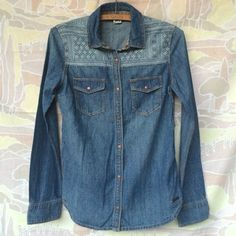 Roxy Denim Shirt If only this cutie would fit! It's an extra small but I think it would fit a small too. Great southwestern denim combo..Like new condition! Roxy Tops Button Down Shirts