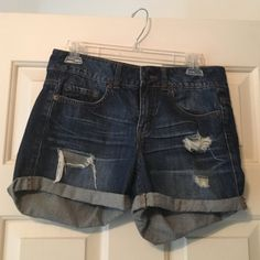 Forever 21 jean shorts In excellent condition!! Forever 21 Shorts Jean Shorts