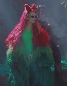 Posion Ivy Costume, Poison Ivy Halloween Costume, Movie Halloween Costumes, Cool Costumes, Uma Thurman Poison Ivy, Hearly Quinn, Poison Ivy Dc Comics, Hera, In The Pale Moonlight