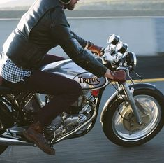 black leather~contrasting gloves~motorcycles