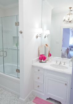 Suzie: Munger Interiors - Girl's bathroom with white single bathroom vanity with marble ...