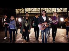 TUS PASOS - REDIMI2 feat ULISES de RESCATE (video oficial) - YouTube