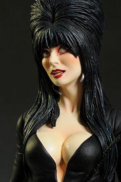 Elvira Mistress of the Dark Pair of Costume Snake Earrings NEW MINT ON CARD