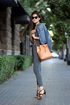 06-andrea-sandals-sheinside-jumpsuit-denim-jacket-mansur-gavriel-bucket-bag-cammello-ootd-casual-karen-walker-number-one