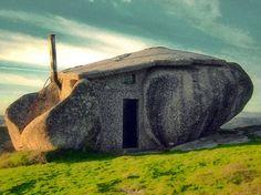 """""""The Flinstones house"""" (Fafe, Portugal)"""