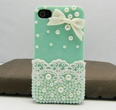 Lace, Bow,  Pearl... not to mention teal... what more could a girl ask for? loving this iPhone 4 case!!