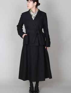 [Envelope online shop] Веtа Lisette Coats & Jackets  An elegant and classic designed jacket made with original coloured linen and wool. It matches well with high collar top or wraps around with a scarf.