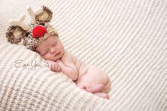 newborn in reindeer hat, Christmas - so cute! Baby Cowgirl Pictures, Newborn Pictures, Baby Pictures, Baby Photos, Newborn Pics, Newborn Christmas, Christmas Baby, Christmas Pics, Xmas