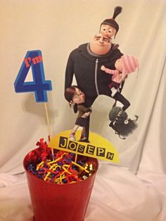 PRINTABLE- Despicable Me Party Centerpiece