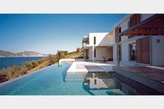 Summer residence in Peloponnese | EK-MAGAZINE