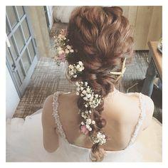 ナチュラル可愛い花嫁が理想♡エアリーなゆるふわヘアで、ゲストのハートを鷲掴み!にて紹介している画像