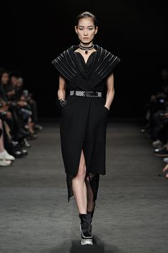 http://img2.doosanmagazine.gscdn.com/collection/season/85/2015_fw_seoul_howandwhat_f01h.jpg
