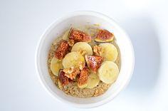 Havermout ontbijt met vijgen, banaan,walnoten en honing en nog veel meer combinaties