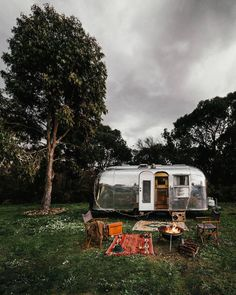 Simplicity is Happiness: Photo Airstream Caravans, Airstream Camping, Airstream Living, Camping Glamping, Outdoor Camping, Outdoor Travel, Airstream Interior, Airstream Remodel, Camping Outdoors