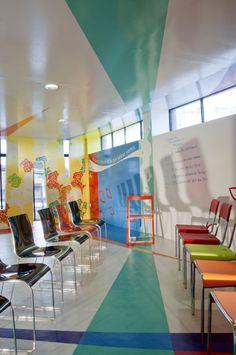 Coca – Cola Training Room Cheerful Interior Design in Mexico by Studio ROW (4)
