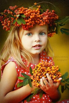 The fruit is Sea buckthorn(沙棘). Photo by Natalia Zakonova. Beautiful Children, Beautiful Babies, Cute Kids, Cute Babies, Foto Baby, Shooting Photo, We Are The World, Belle Photo, Children Photography