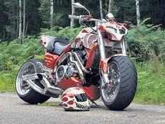 Saw this yamaha VMAX and had to pin it. It just looks like the ultimate miuscle bike. Custom Street Bikes, Custom Motorcycles, Custom Bikes, Harley V Rod, Harley Bikes, Yamaha Bikes, Yamaha Motor, Vmax Yamaha, Drag Bike