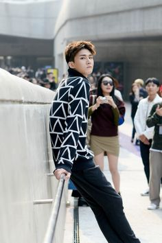 Street style: Shin Jae Hyuk at Seoul Fashion Week Spring 2016 shot by Kim Min Geun