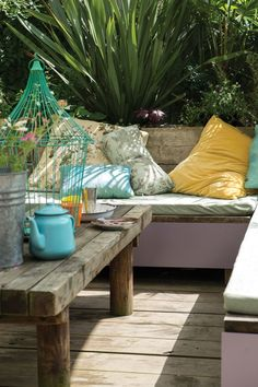 How to design a small city garden in style