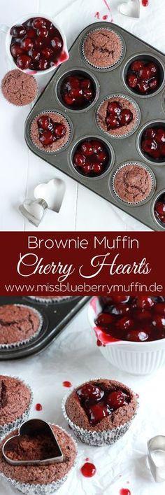 Brownie Muffins mit einem Herz aus heißen Kirschen!