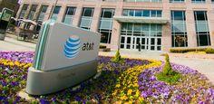 AT&T iniciará pruebas de conexión superrápida 5G en EE.UU.   La operadora promete darte Internet con velocidades de conexión que son entre 10 y 100 veces más rápidas que las actuales. El primer campo de prueba lo instalará este año en Austin Texas.  El grupo de telecomunicaciones estadounidense AT&T anunció este viernes que planea probar la quinta generación superrápida (o 5G) de redes móviles que sería hasta 100 veces más veloz que las conexiones existentes.  AT&T indicó que comenzaría las…