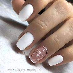 The design of the bridal nails is something every woman likes and admires. Every woman feels a little mature and elegant. When you talk about the bridal nails, the first thing you think about is the white nail design, right? Gorgeous Nails, Love Nails, Pretty Nails, Bridal Nails Designs, Toe Nail Designs, Wedding Designs, White Nail Art, White Nails, Gold Nail