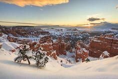 Sunrise? Check. Snow? Check. Hoodoos? Check. Gotta be Bryce Canyon #ut #Utah #mighty5