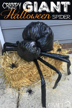 DIY Creepy Giant Halloween Spider made with trash bags and pool noodles - Halloween - creepy halloween costumes Diy Halloween Spider, Homemade Halloween Decorations, Creepy Halloween, Halloween Party Decor, Diy Halloween Treat Bags, Spider Halloween Costume, Halloween Yard Art, Scary Costumes, Diy Costumes