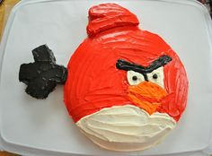 DIY Angry Birds Cake. Wish I was going to be around for @Adrienne Brooks next birthday! I'd be making this little baby!