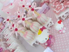 Maças do amor cobertas com chocolate branco  R$3,20
