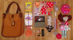 zawartość torebki młodej mamy :-)