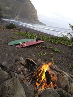 Beach fire after surf Surf Mar, Shore Break, Big Waves, Ocean Waves, Surfs Up, Island Life, Big Island, Adventure Is Out There, Plein Air