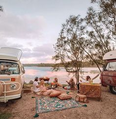 Ultimate date night the beautiful Veronica Porubsky h a p p y t h i n g s Van Camping, Camping Life, Vw T1 Camper, Volkswagen Bus, Adventure Aesthetic, Kombi Home, Van Living, Photos Voyages, Summer Aesthetic