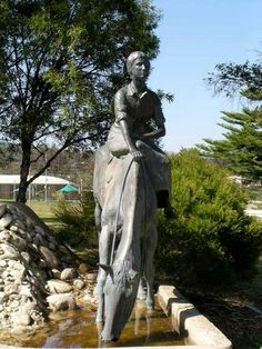 "Commemorative statue of Dorothy Mackellar at Gunnedah, NSW. / Author of Australia's most quoted  best-loved poem ""My Country"", written in England when homesick for Australia."