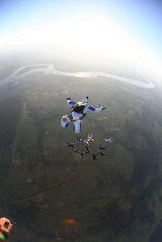 Skydive Amazon Boogie by Rick Neves, via Flickr  #skydiving #paracaidismo