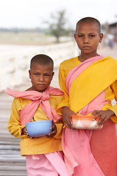 Monks. Myanmar. © Inaki Caperochipi Photography