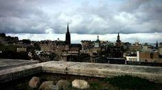galeria nacional de escocia edimburgo - YouTube. Muestra sobre pintoras y escultoras escocesas.