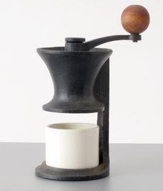 Mid-Century Modern Coffee Grinder by Robert Welch Coffee Logo, Coffee Art, Coffee Cups, Best Coffee Grinder, Coffee Maker, Coffee Grinders, Best Organic Coffee, Robert Welch, Coffee Review