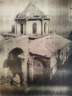 Fotografia del Mausoleo di Boemondo,  antecedente al 1902.