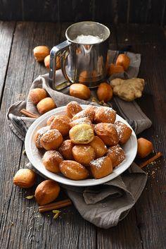 Dorian cuisine.com Mais pourquoi est-ce que je vous raconte ça... : Nos p'tits beignets très parfumés... les mandazis ! Parce que finalement quand je ne cuisine pas... eh ben j'cuisine... Beignets, Dorian Cuisine, Dessert Recipes, Desserts, Pretzel Bites, Tea Time, Biscuits, Bread, Baking