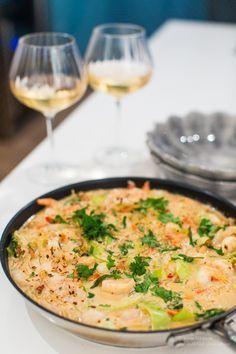 Heta räkor i cocosnötsås. Seafood Recipes, Cooking Recipes, Asian Recipes, Healthy Recipes, Pak Choi, Food Inspiration, Love Food, Food Print, Carne