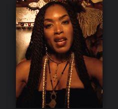 1000+ images about T.V. on Pinterest | Kate mckinnon ...  |Angela Bassett American Horror Story Hair