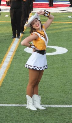 Apache Belle Dance Captain Michelle- 2013 Drill Team Pictures, Professional Cheerleaders, Ice Girls, Girls Uniforms, Love Photos, Just Dance, Short Skirts, Cheerleading, Asian Beauty