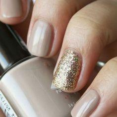 Gold nail designs!