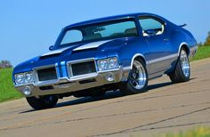 Men are passionate about their stuff, and American classic muscle cars are no exception. Old Muscle Cars, American Muscle Cars, Vintage Cars, Antique Cars, Retro Cars, Chevy, Chevrolet, Automobile, Oldsmobile Cutlass