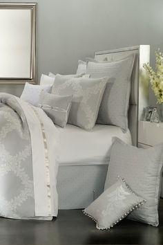 Acanthus Arbor Comforter set