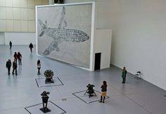 A exposição 'dOCUMENTA' é organizada a cada cinco anos em Kassel, na Alemanha, desde 1955, e é famosa por oferecer um dos panoramas mais completos da arte contemporânea. A mais recente edição é organizada entre 9 de junho e 16 de setembro.Confira as imagens: