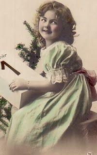 vintage photos Vintage Christmas Photos, Vintage Children Photos, Holiday Photos, Vintage Girls, Vintage Pictures, Old Pictures, Vintage Images, Old Photos, Vintage Posters