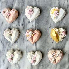 Hot Chocolate Gifts, Chocolate Bomb, Chocolate Hearts, Chocolate Chip Cookie Dough, Chocolate Dipped, Chocolate Cake, White Chocolate, Sprinkles, Pinata Cake